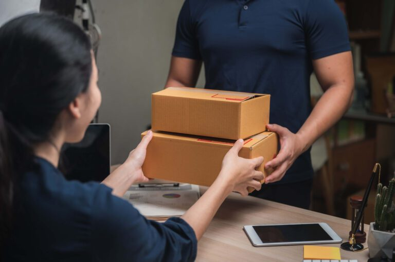 parcel delivery service for work from home people MUPMUSW